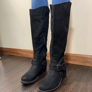 Knee high boots 🔥